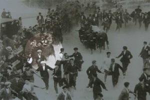 Momento de la cogida el 13 de julio de 1924