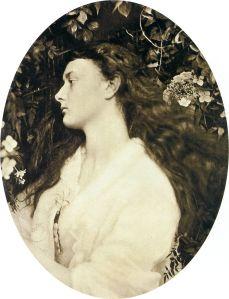 Alice Liddel en 1872 fotografiada por Julia Margaret Cameron