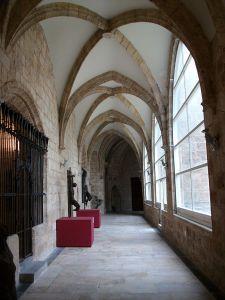 800px-Claustre_de_la_Catedral_de_Sogorb,_Alt_Palància